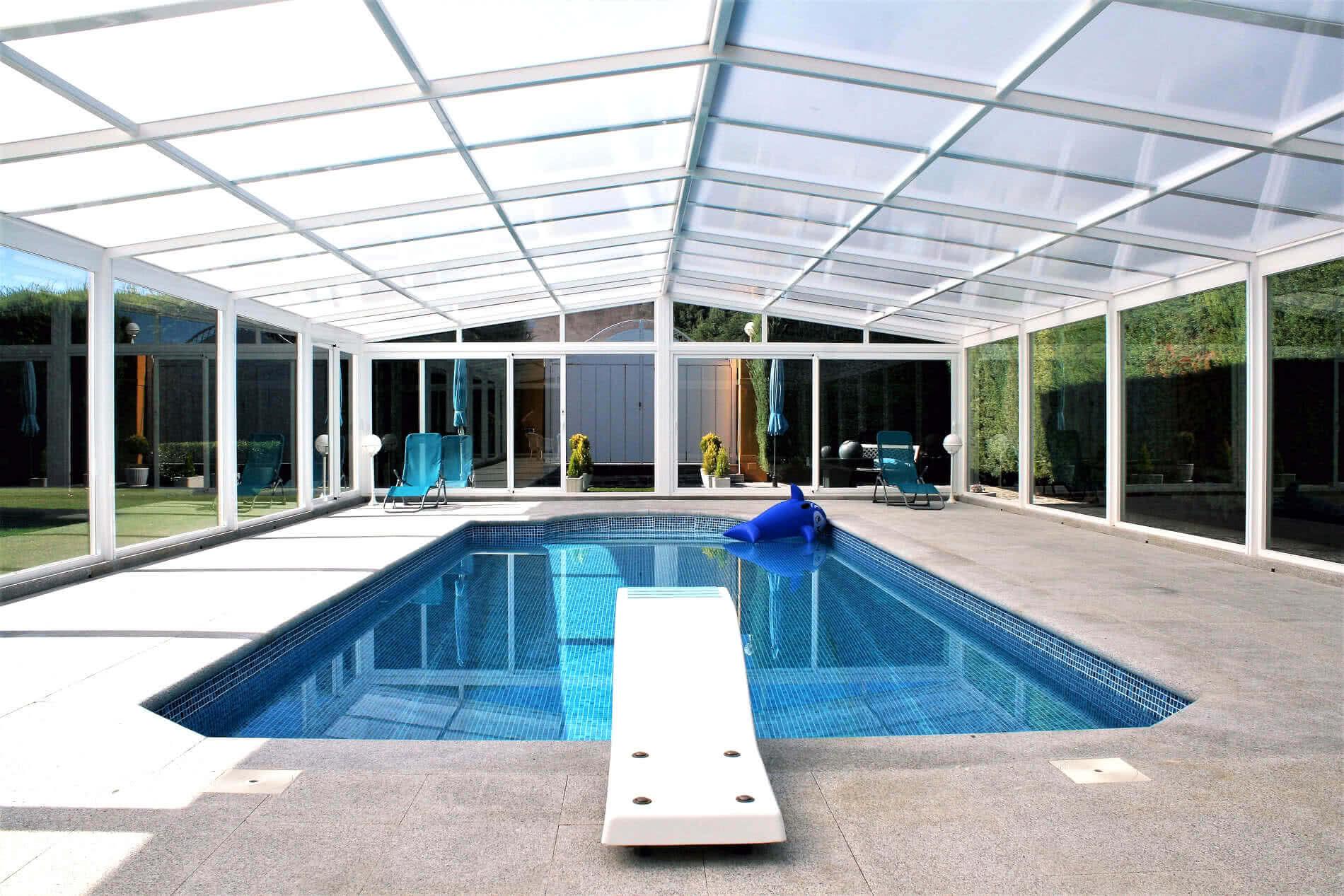 Cubiertas para piscinas y techos m viles tecnyvan somos for Techos para albercas