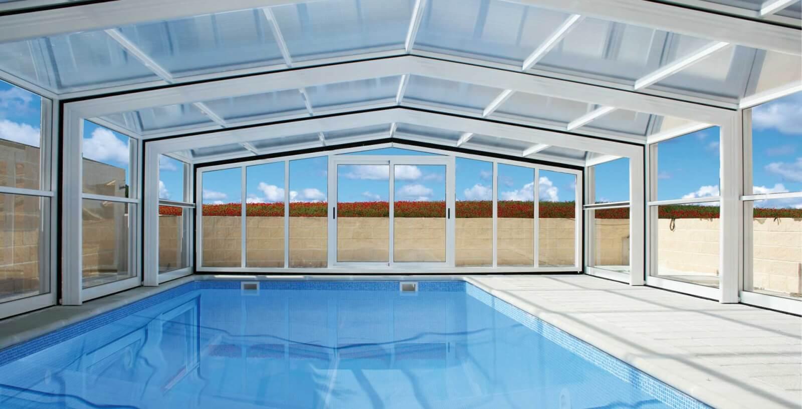 Cubierta de piscinas policarbonato modelo izalco tecnyban for Piscina quart de poblet cubierta