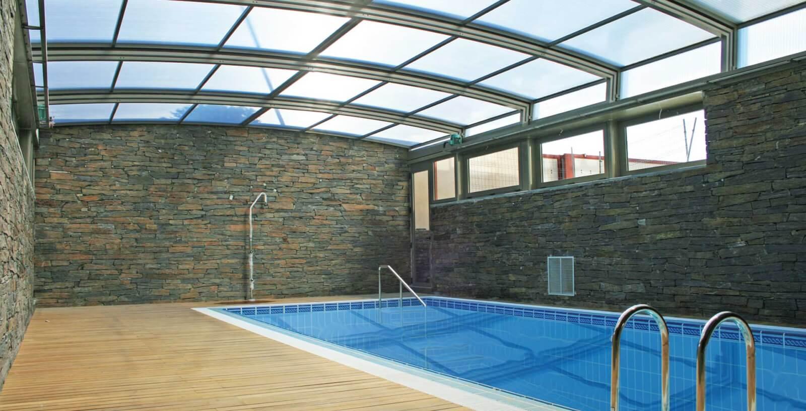 Techos para piscinas cerramientos a lo grande cubiertas for Techos para albercas