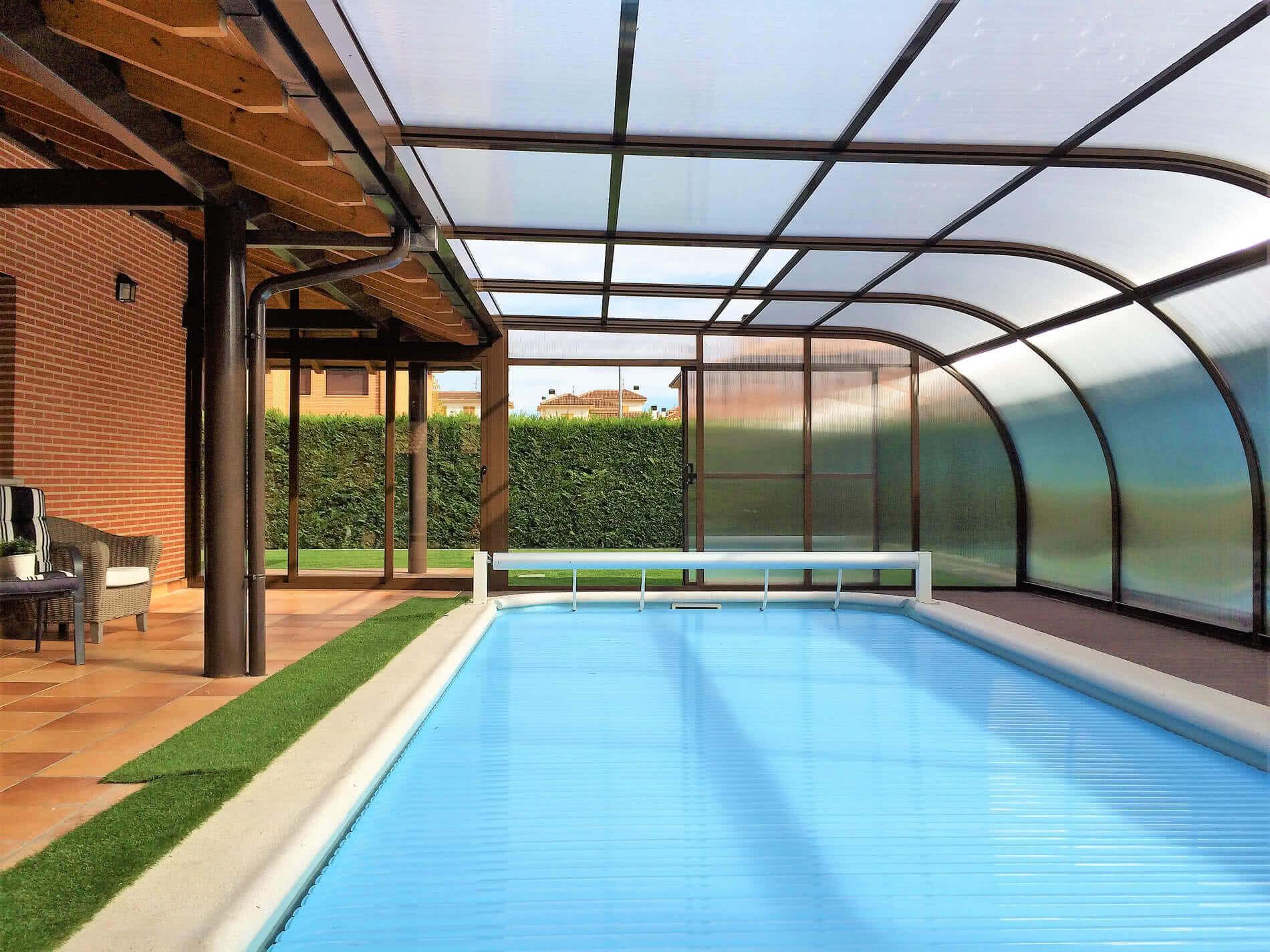 Etna cubierta alta de estructura fija para piscinas for Estructura para piscina