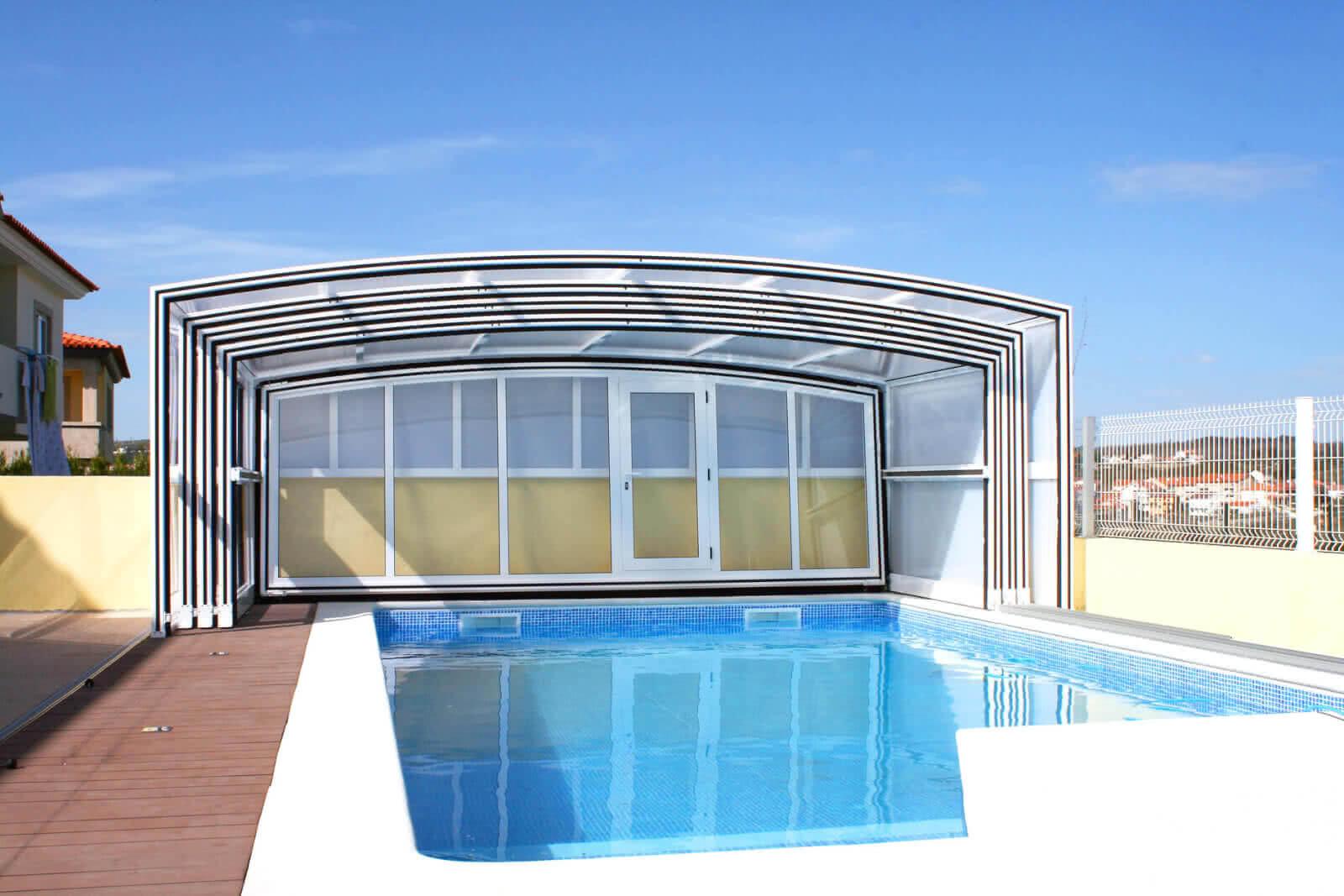 Fabricantes de cubiertas de piscinas en andaluc a for Piscinas cubiertas salamanca