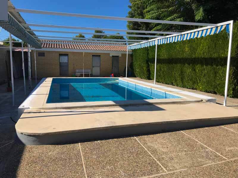 Piscina para instalación de cubierta baja de piscina en sevilla
