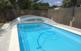4 accesorios fundamentales para cuidar una piscina