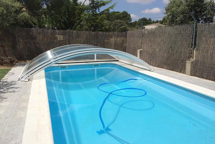 4 accesorios fundamentales para cuidar una piscina for Accesorios para piscinas