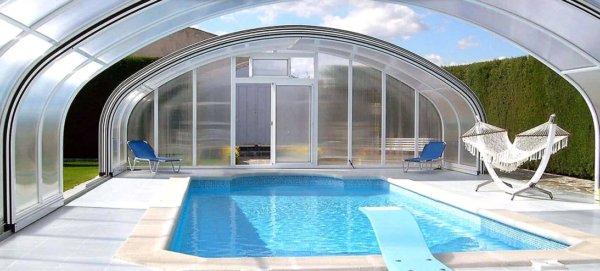 Cubiertas telescópicas para piscinas: todas sus ventajas