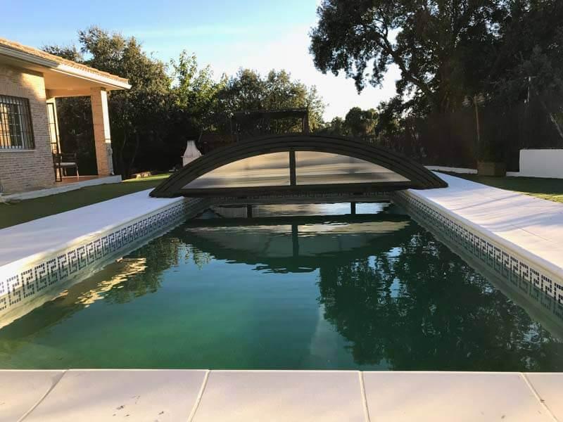 Cubierta para piscina en madrid sevilla la nueva tecnyvan for Estructura para piscina