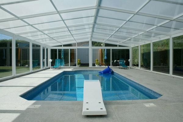 Cómo climatizar una piscina para disfrutarla todo el año