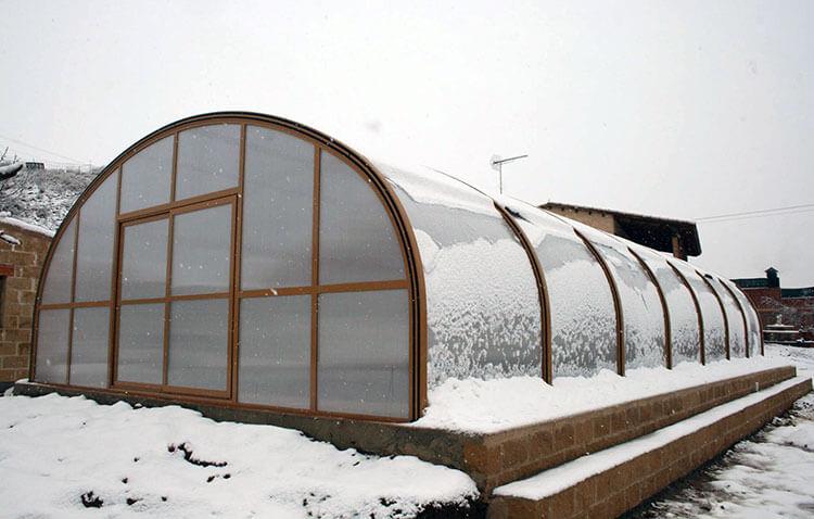 Como puedes proteger una piscina de las heladas en inverno