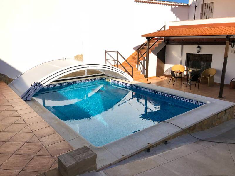 Cubierta baja para piscina en Huelva