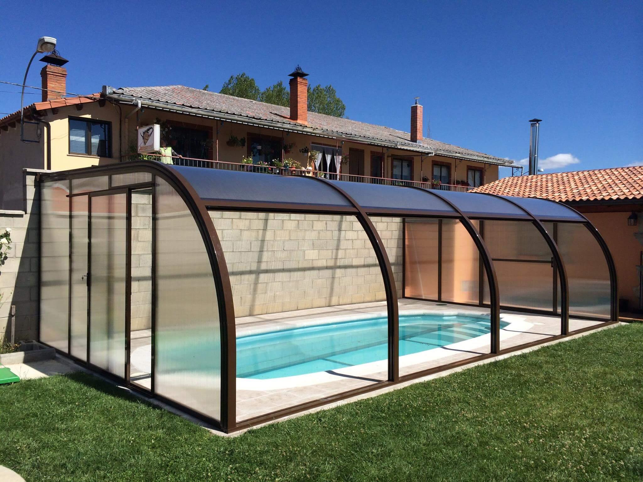Cubiertas de piscina para casas rurales todas sus ventajas for Casas rurales en asturias con piscina
