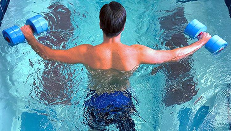 Aquagym en tu piscina cubierta