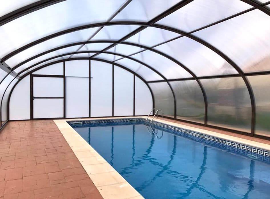 ¿Por qué instalar cerramientos para piscinas?