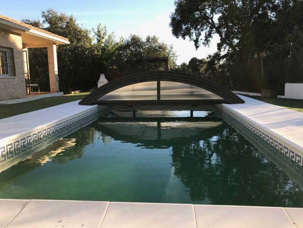 Cubierta baja telesc pica para piscinas en madrid for Cubiertas para piscinas madrid