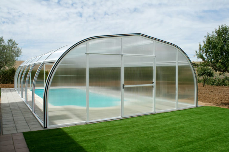 Cubierta Etna: Cubierta de piscinas alta y fija en Sevilla