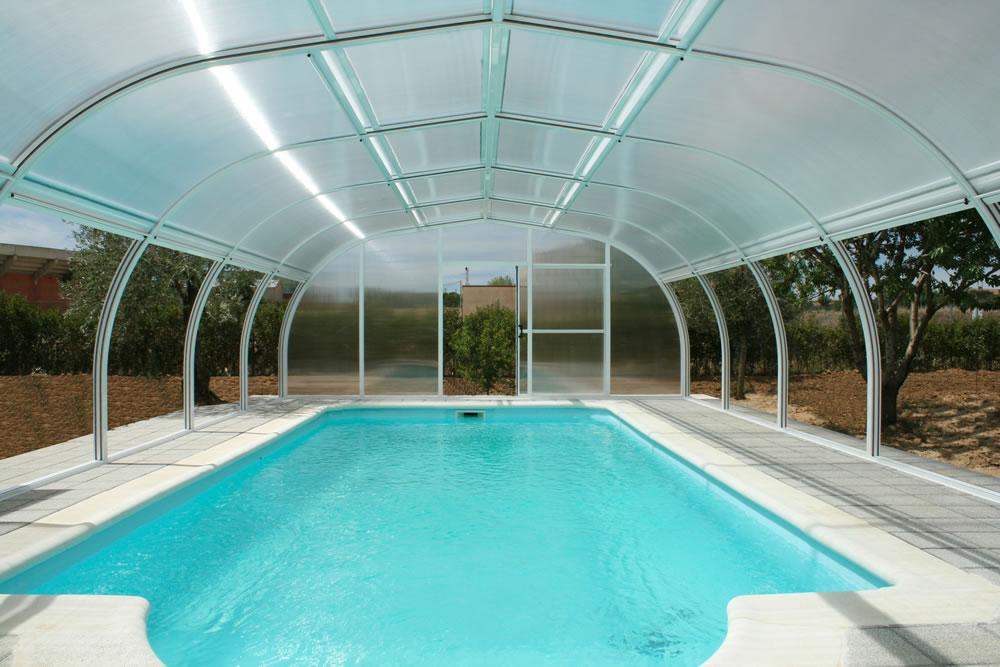 Cubierta Etna: Cubierta de piscinas alta y fija en Sevilla interior