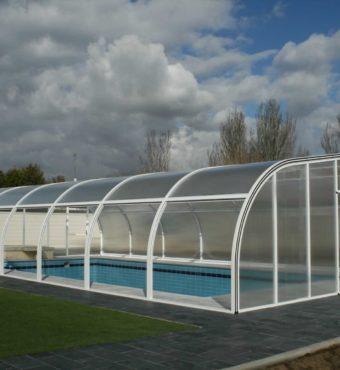 Cubierta Etna: Cubierta para piscinas alta y fija en Salamanca exterior
