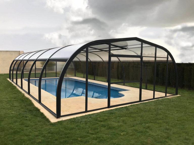 Cubierta Etna: Cubiertas para piscinas alta y fija en Ávila exterior
