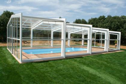 Cubierta Izalco: Cubierta de piscina alta y telescópica en Segovia exterior lateral