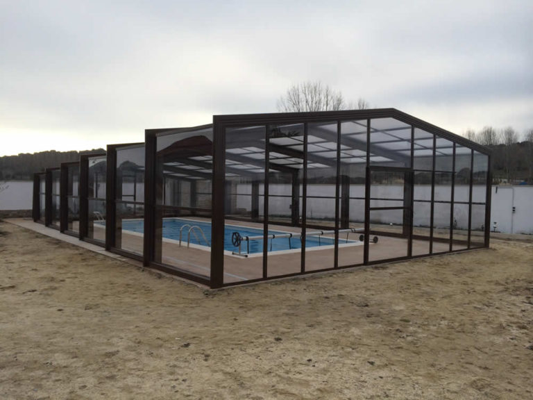 Cubierta Izalco: Cubiertas de piscina alta y telescópica en Palencia exterior
