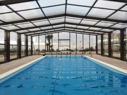 Cubierta Izalco: Cubiertas de piscina alta y telescópica en Palencia interior