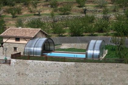 Cubierta Milos: Cubierta para piscina alta y telescópica en Cáceres exterior abierta