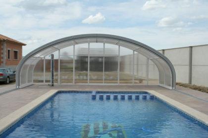 Cubierta Milos: Cubierta para piscina telescópica y alta en Guadalajara