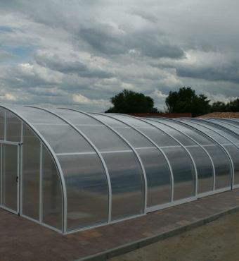 Cubierta Milos: Cubierta para piscina telescópica y alta en Guadalajara exterior