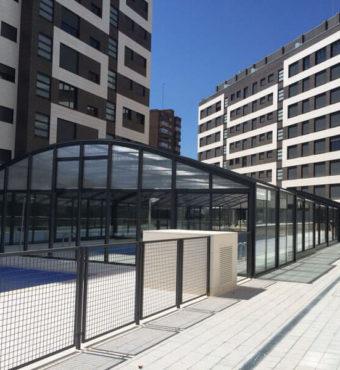 Cubierta Olimpo: Cubierta de piscinas telescópica y alta en Madrid exterior