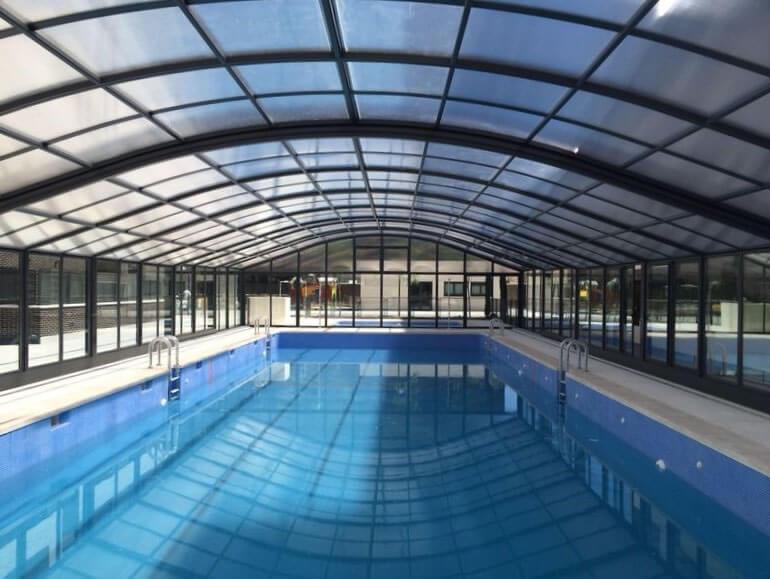 Cubierta Olimpo: Cubierta de piscinas telescópica y alta en Madrid interior