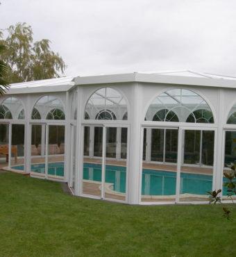 Cubierta Personalizada: Cerramientos para piscinas alta y telescópica en Vitoria exterior