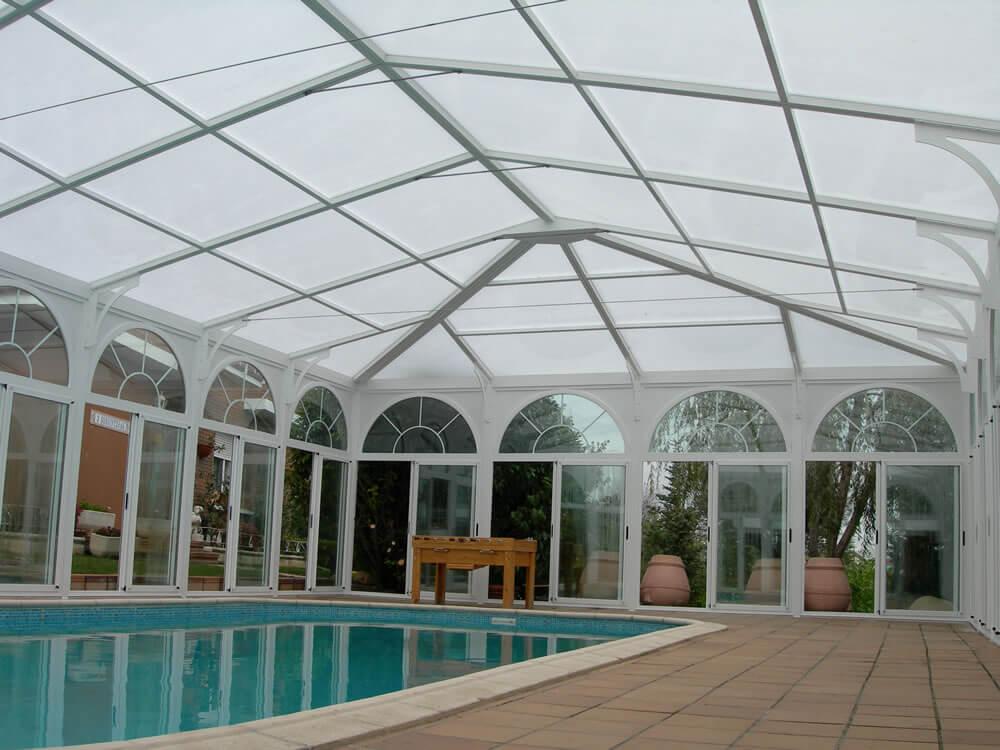 Cubierta Personalizada: Cerramientos para piscinas alta y telescópica en Vitoria interior