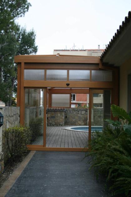 Cubierta Personalizada: Cubierta alta y telescópica para piscina con techos móviles en Toledo