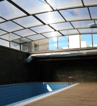 Cubierta Personalizada: Techo para piscina alta y telescópica en Vitoria