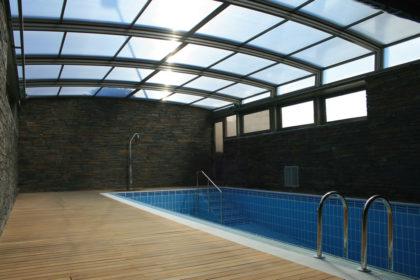 Cubierta Personalizada: Techo para piscina alta y telescópica en Vitoria interior