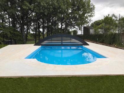 Cubierta Teide: Cerramiento bajo y telescópico para piscina en León