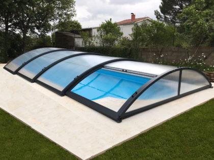 Cubierta Teide: Cerramiento bajo y telescópico para piscina en León exterior