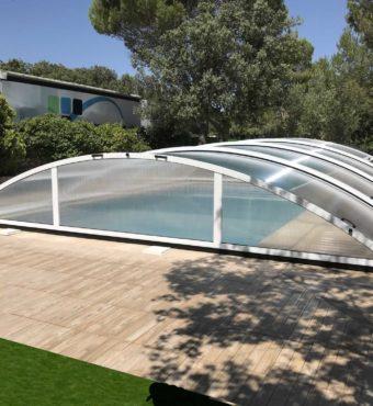 Cubierta Teide: Cerramiento de piscina baja y telescópica en Guadalajara exterior frontal