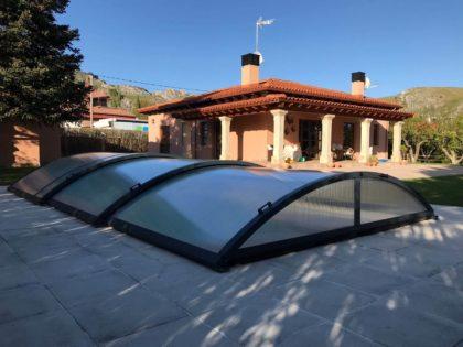 Cubierta Teide: Cerramiento de piscinas baja y telescópica en Burgos exterior