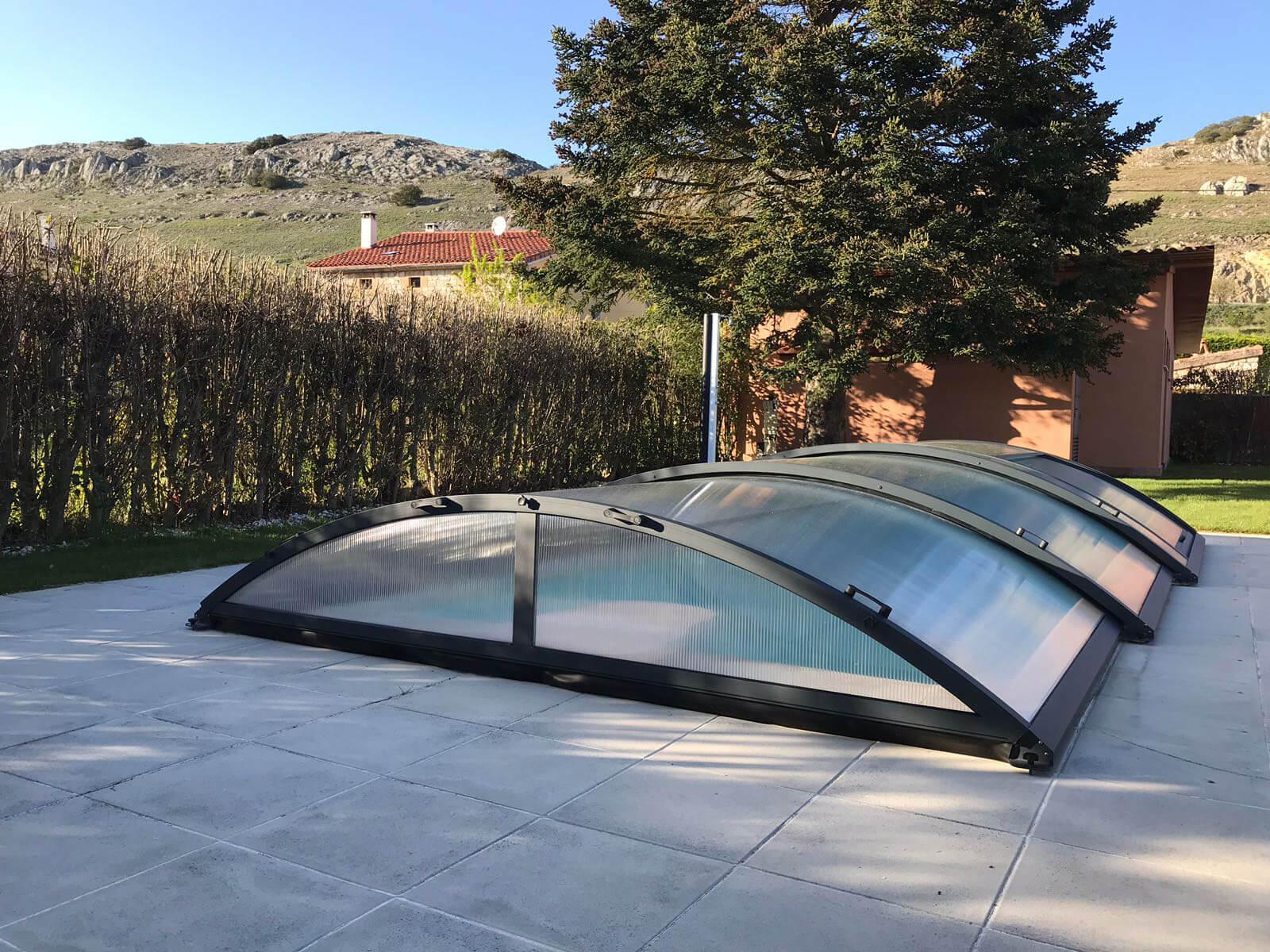 Cubierta Teide: Cerramiento de piscinas baja y telescópica en Burgos exterior lateral