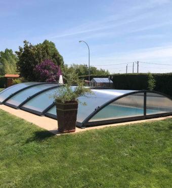 Cubierta Teide: Cerramiento telescópico y bajo para piscina en Logroño exterior