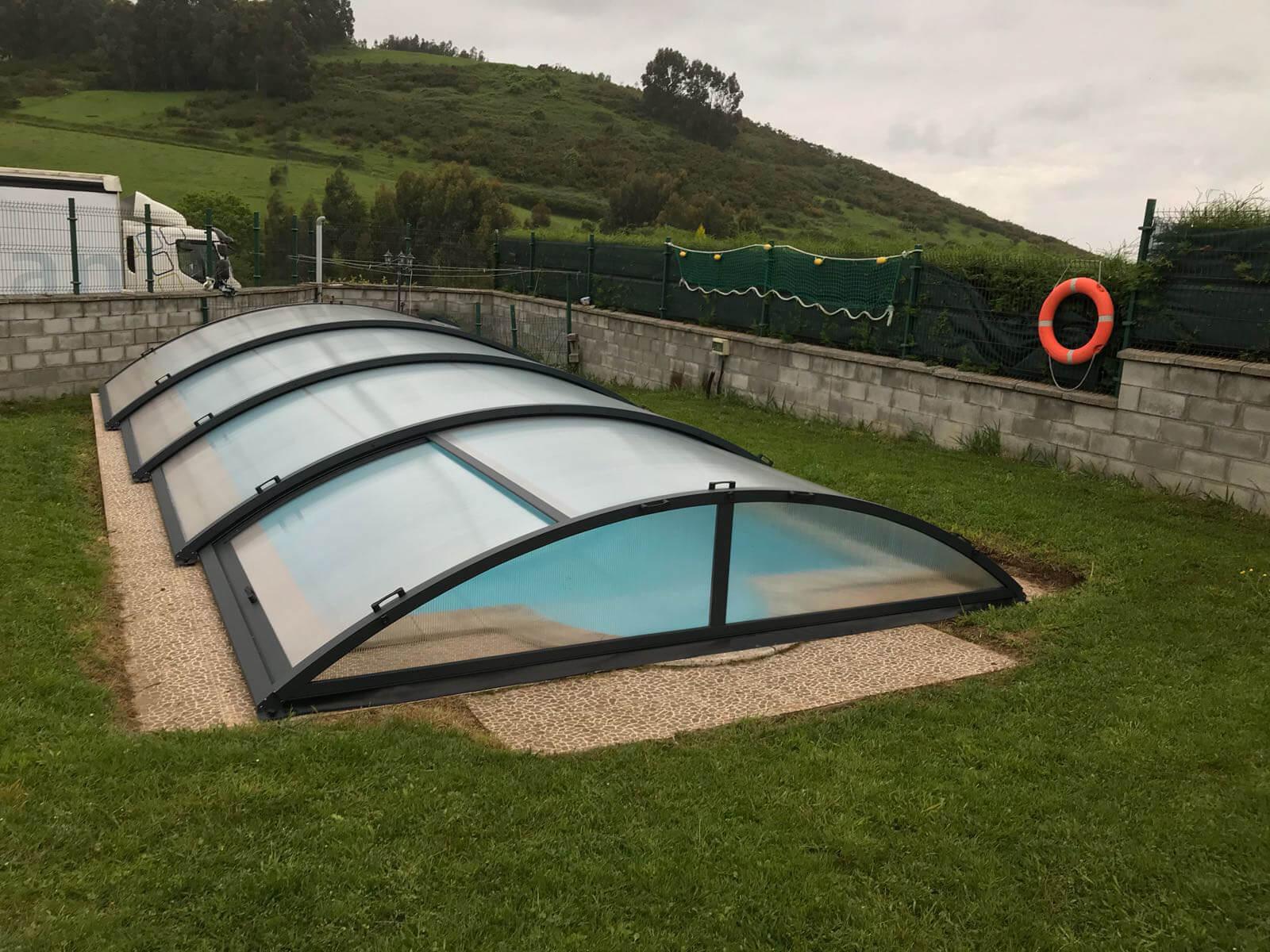 Cubierta Teide: Cerramientos de piscinas baja y telescópica en Asturias exterior