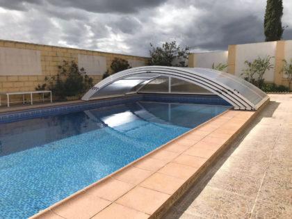 Cubierta Teide: Cubierta baja y telescópica para piscina en Sevilla abierta