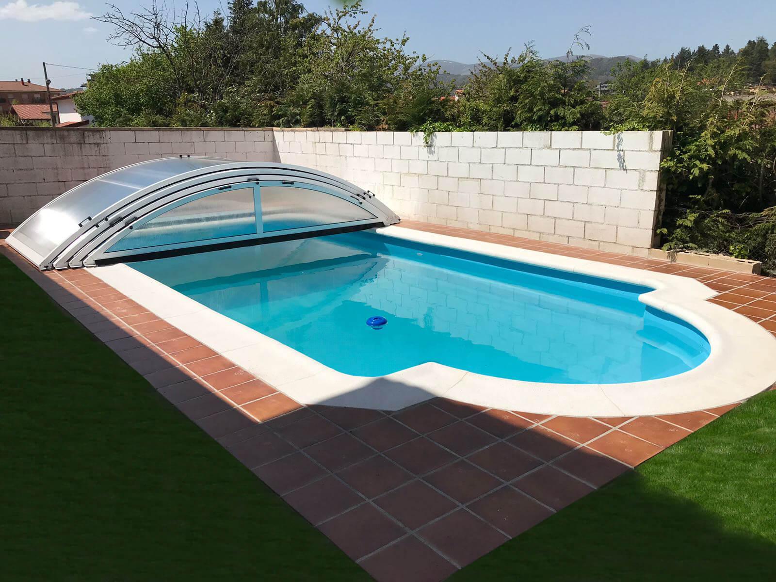 Cubierta Teide: Cubierta baja y telescópica para piscina en Madrid sierra abierta
