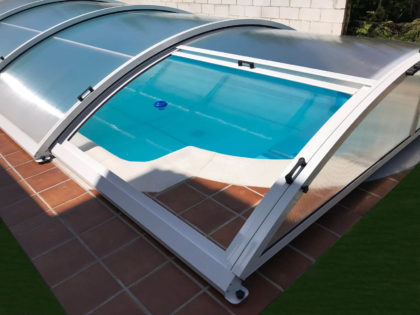 Cubierta Teide: Cubierta baja y telescópica para piscina en Madrid sierra exterior