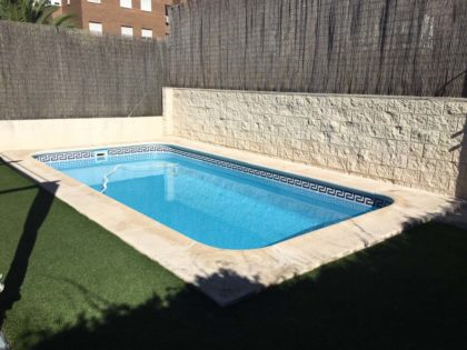 Cubierta Teide: Cubierta de policarbonato para piscina baja y telescópica en Madrid sierra antes