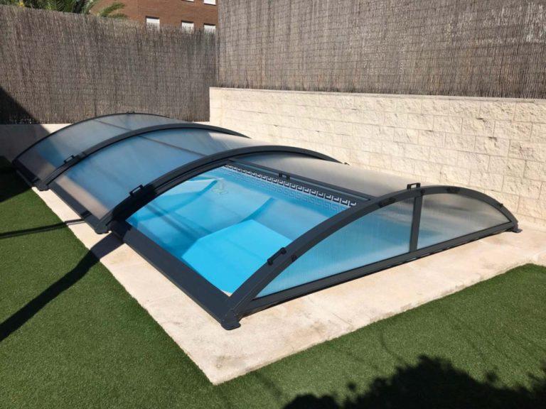 Cubierta Teide: Cubierta de policarbonato para piscina baja y telescópica en Madrid sierra exterior