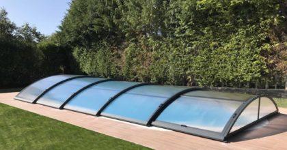 Cubierta Teide: Cubierta para piscina baja y telescópica en Vitoria exterior lateral