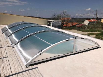Cubierta Teide: Cubierta telescópica y baja para piscina en Portugal exterior