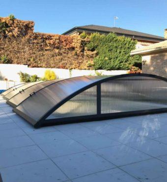 Cubierta Teide: Cubiertas de policarbonato para piscina baja y telescópica en Madrid sierra exterior