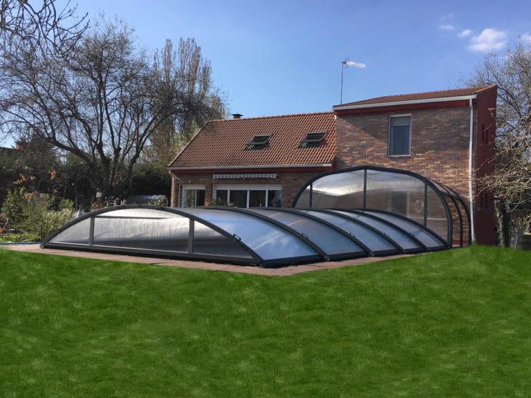 Cubierta Teide + Etna: Cerramientos para piscina baja y telescópica en Madrid exterior lateral